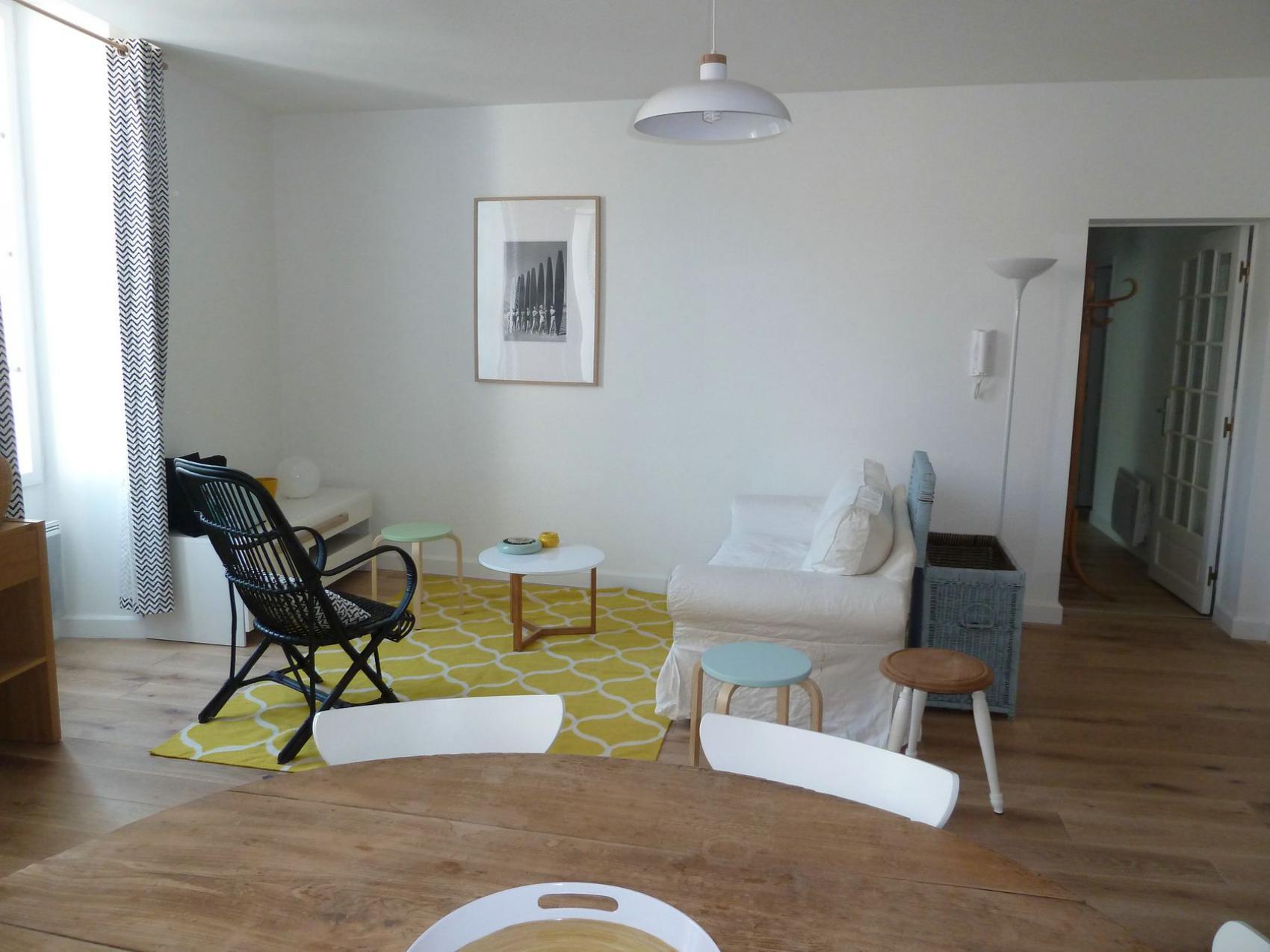 travaux de r novation d 39 un appartement en centre ville de. Black Bedroom Furniture Sets. Home Design Ideas