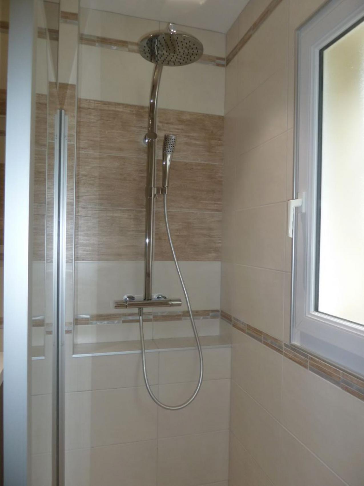 r novation d une salle de bains en salle d eau lagord proche le de r. Black Bedroom Furniture Sets. Home Design Ideas